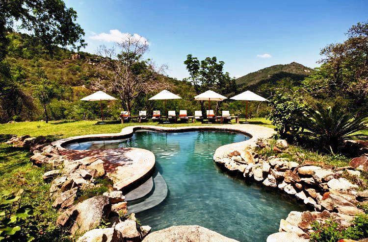 Bongani Mountain Lodge - pool area