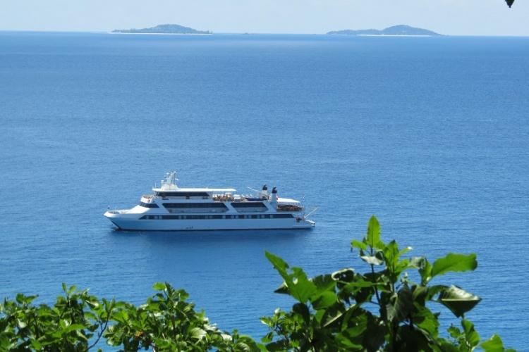 Variety Cruises, Seychelles - Pegasus in Aride