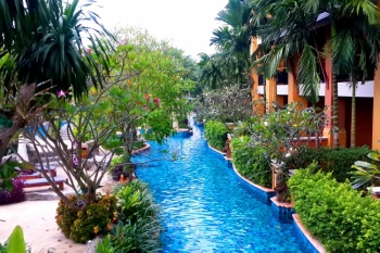 4* Rawai Palm Beach Resort - Family Special (7 Nights)