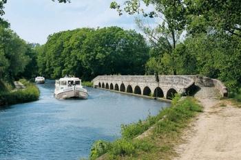 Barging through Canal du Midi - France 7 Nights