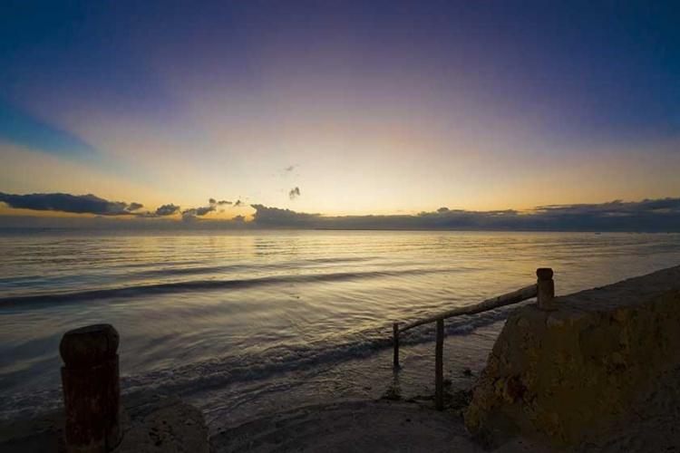 Uroa Bay Beach Resort - sunset
