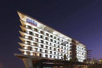 3* Park Inn by Radisson Abu Dhabi Yas Island (4 Nights)