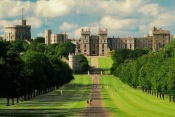 Windsor, Stonehenge, & Bath Day Tour with London Hop on Hop off