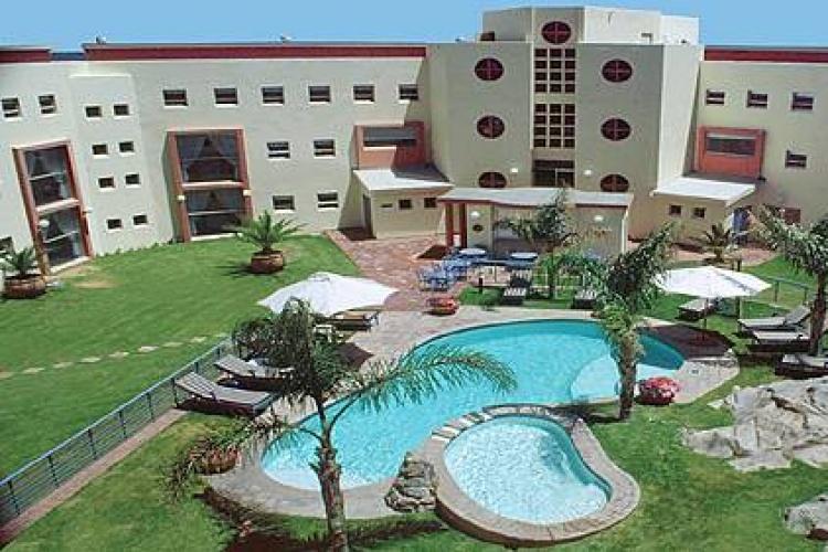 luderitz-nest-hotel-3-lrg