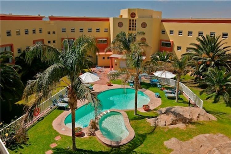 luderitz nest hotel - pool-internal gardens-small