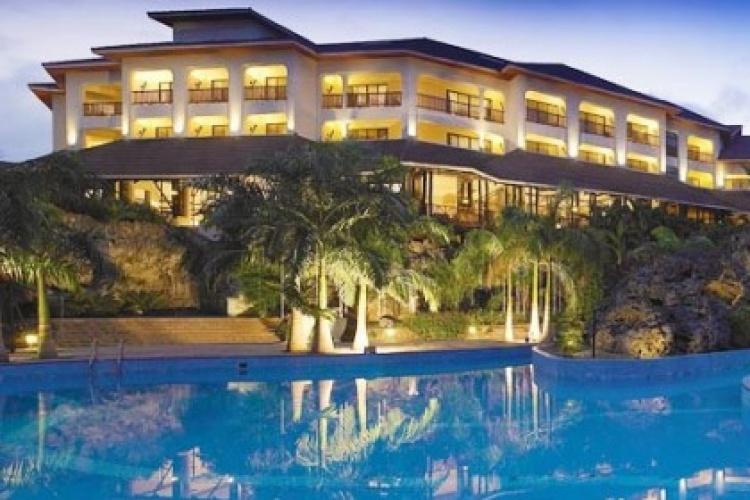Diani-Reef-Beach-Resort-Spa-09-500x281