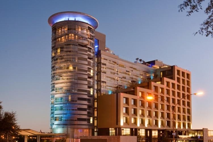 Hilton Windhoek Hotel Exterior