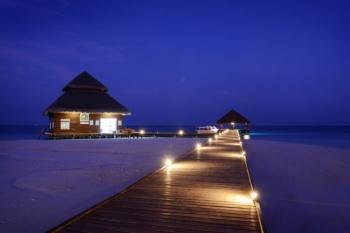 3* Plus Adaaran Club Rannalhi - Maldives 7 Nights