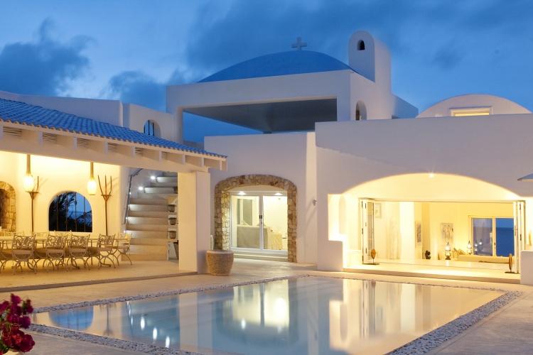 Santorini+in+Africa+-+pool+at+night