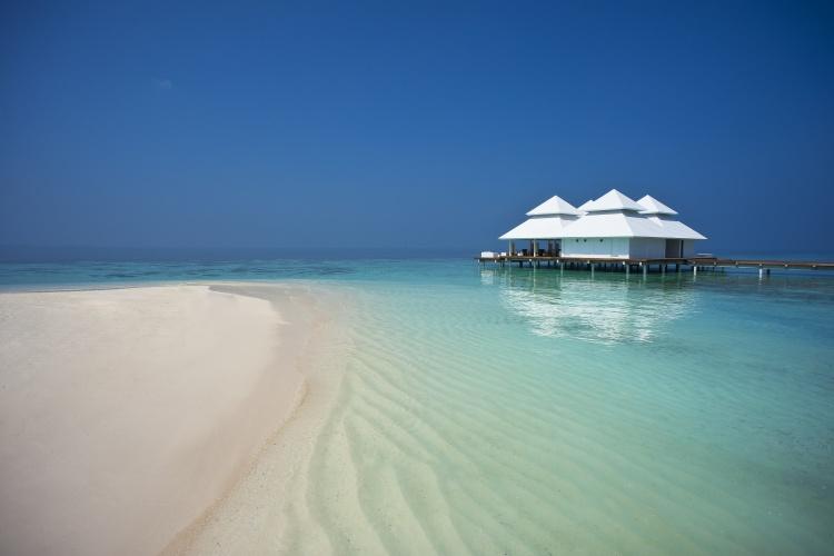 Diamonds Arthuruga Maldives