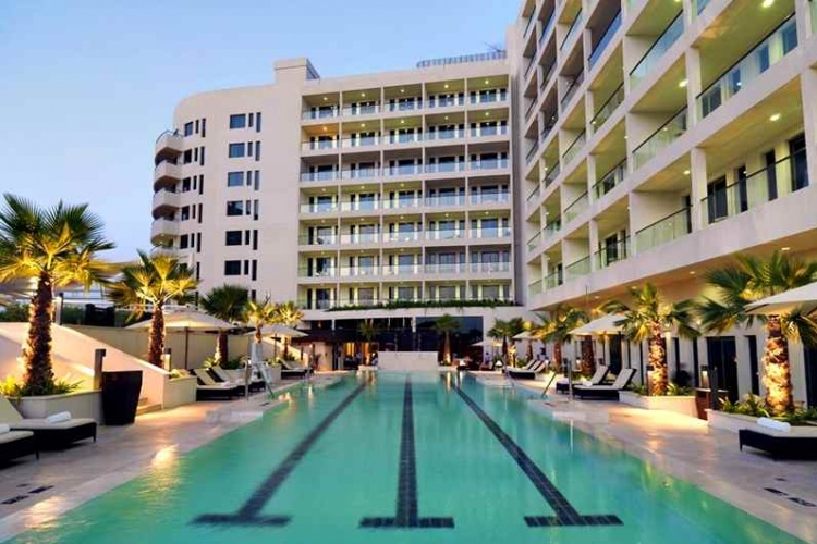 Park Inn Abu Dhabi Yas Island Pool