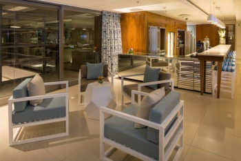 Cape Town Marriott Hotel Crystal Towers. holiday package