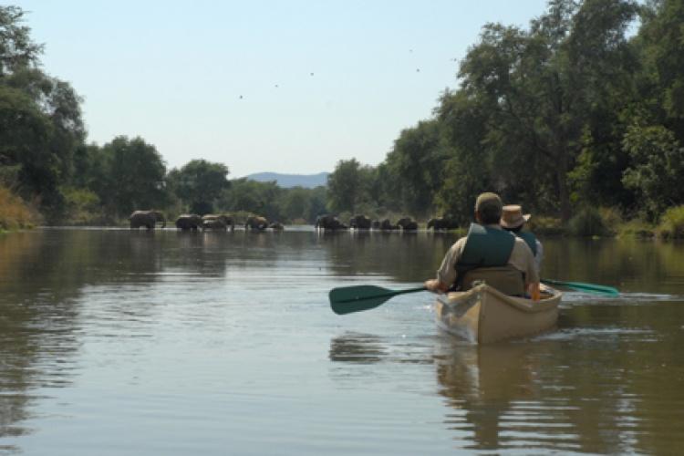 Sussi and Chuma Lodge conoeing-on-zambezi