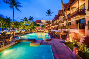 4* Seaview Patong Hotel - Family Special (7 Nights)