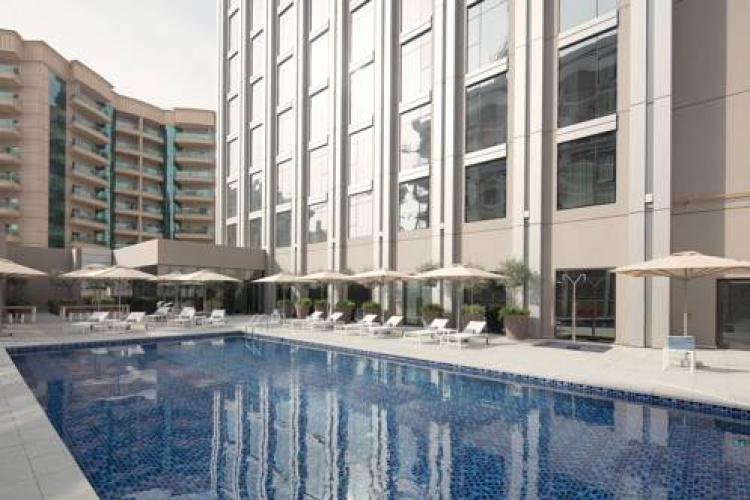 Rove Healthcare City Pool