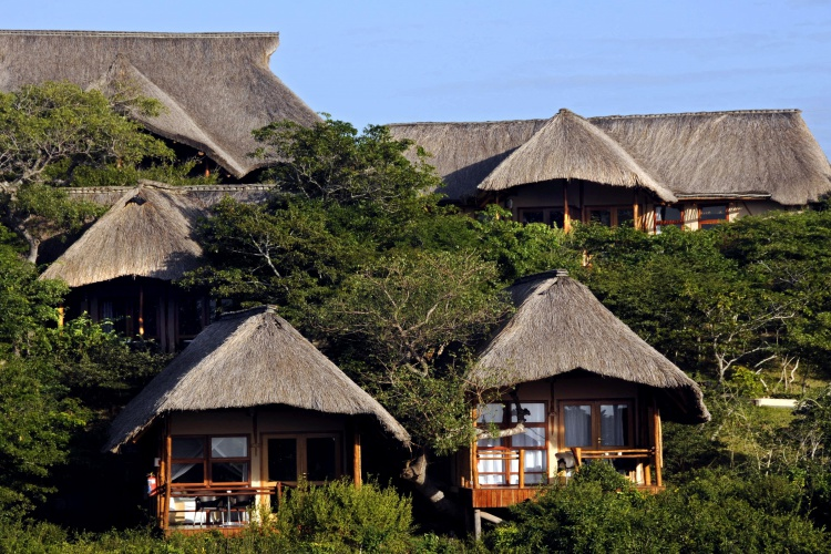 Exterior view of Chalets Vilanculos Beach Lodge