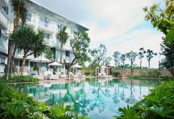 Fontana Hotel Bali holiday package