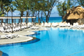 *Costsavers Mauritius*4* RIU Le Morne 7 Nights (Adult Only)*- Honeymoon Offer
