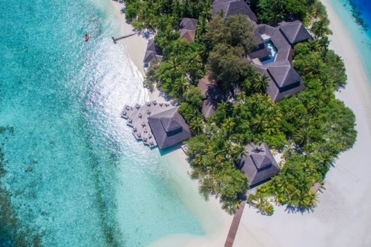 3* Adaaran Club Rannalhi - Maldives Package (7 Nights)