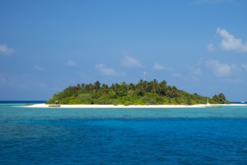4* Makunudu Island Maldives - 6 Nights Special Offer