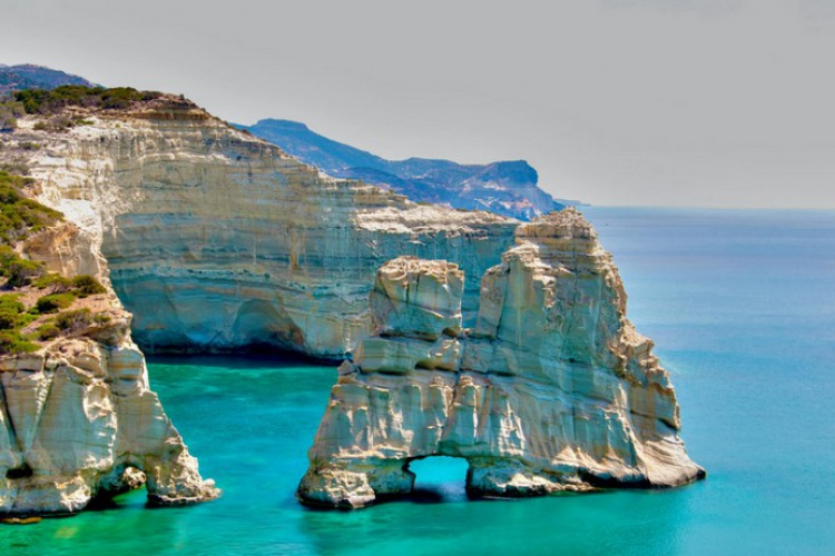 Greek Island Hopping: 7 Nights Athens - Milos - Santorrini  - Athens