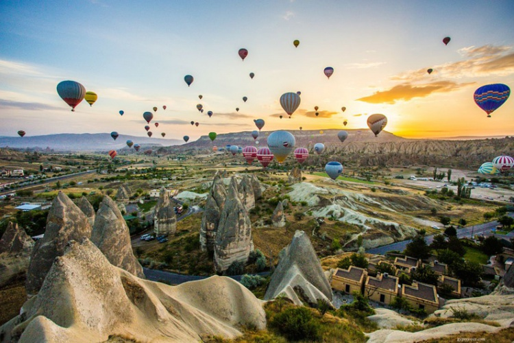 Istanbul & Cappadocia Tour - Turkey (6 Days / 5 Nights) with Hot Air Balloon in Cappadocia