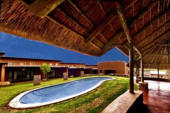 3* Riverstone Lodge - Muldersdrift - 1 Night